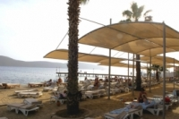 Hotel\Beach and catwalk